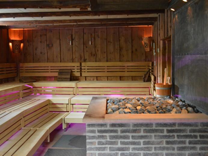 finnische sauna avenida therme hohenfelden. Black Bedroom Furniture Sets. Home Design Ideas